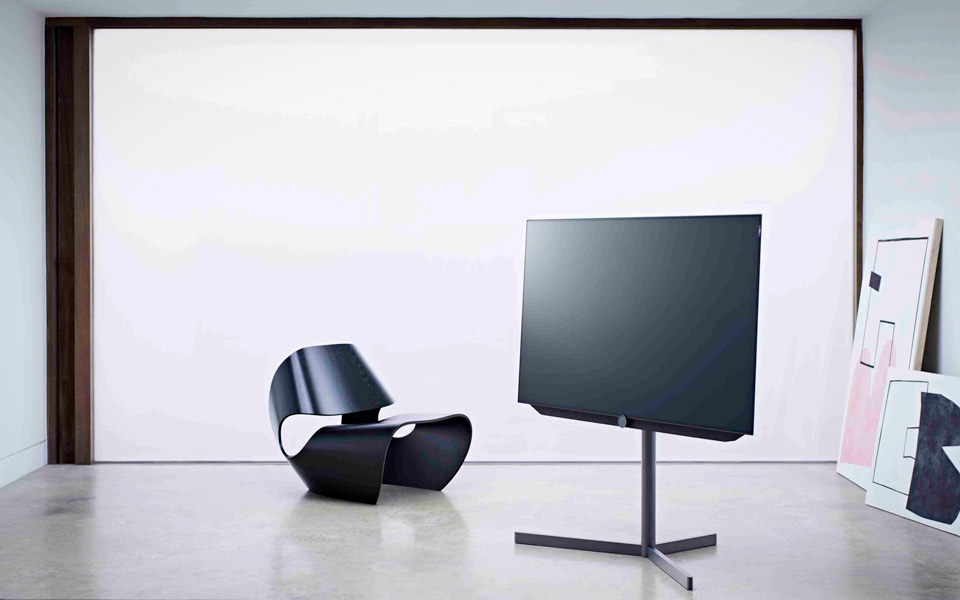 loewe bild 7 oled tv mandesager. Black Bedroom Furniture Sets. Home Design Ideas