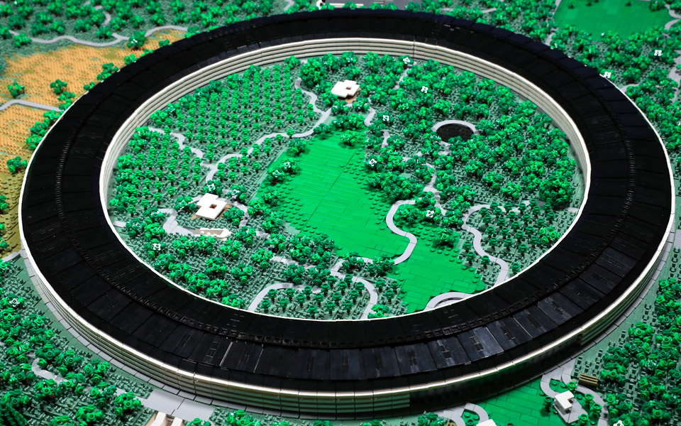 Det tog to år at bygge Apple Park af LEGO