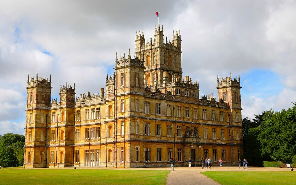 I dag er alle inviteret til en virtuel cocktailfest på Downton Abbey